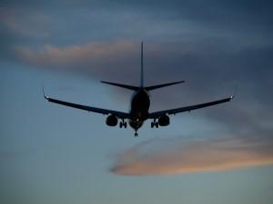 plane-437745_1920